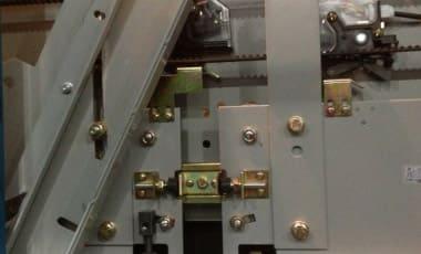 Дверная система наклонного лифта