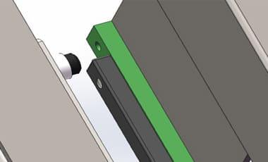 Выравнивающее индукционное устройство наклонного лифта